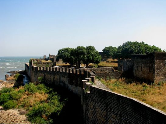 Diu photos, Diu Forts - Walls of the fort