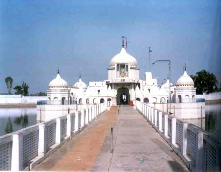 Gurdaspur photos, Achaleshwar Temple - Devoted to Lord Kartik