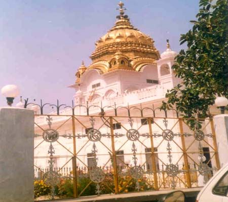 Gurdaspur photos, Gurudwara Sri Durbar Sahib - Dome made of Gold