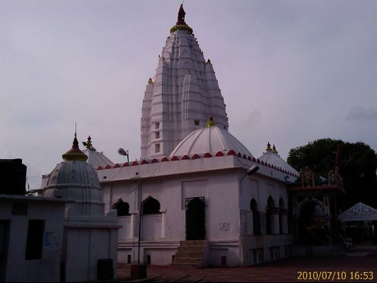 Sambalpur photos, Samaleswari Temple - The outer view of the Samaleswari Temple