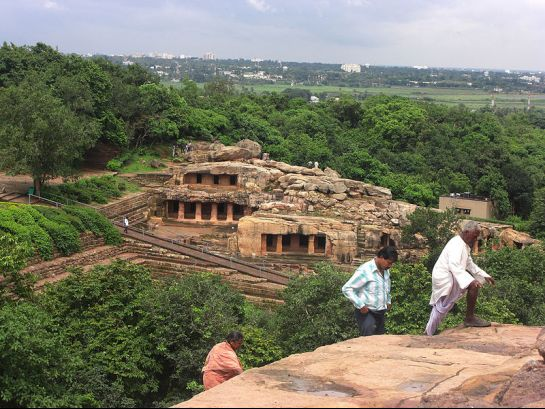 Udayagiri photos, Udayagiri Caves - The rock cut caves Vie of vaces