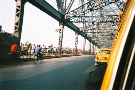 Kolkata photos, Howrah Bridge - On the Bridge