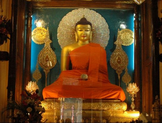 Bodh Gaya photos, Mahabodhi Temple - The Budhha Statue
