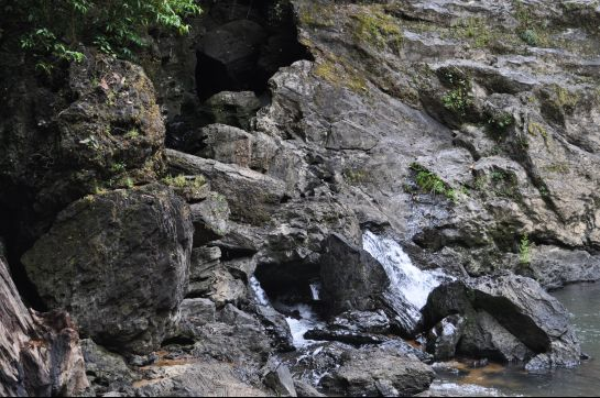 Agumbe photos, Jogigundi Falls - Gushing through!