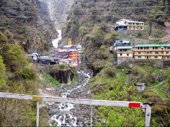 Yamunotri Photos, Yamunotri Temple, A Distance View