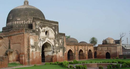 Karnal photos, Baburs Mosque - kabuli_bagh_mosque_1 (1)