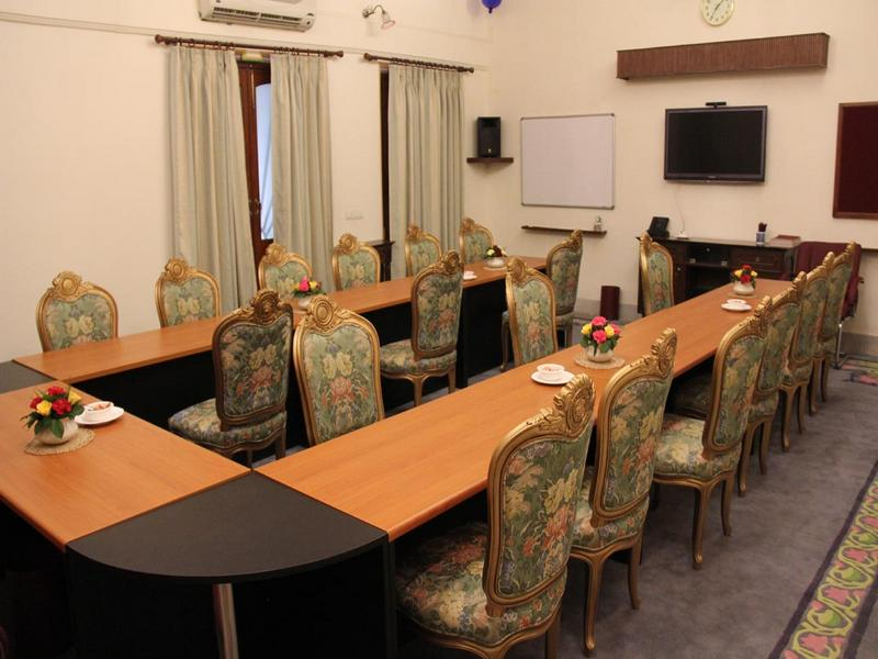 060_Onyx_Meeting_Room_new
