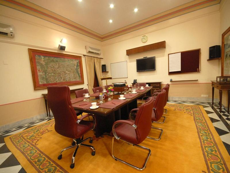 081_Topaz_Meeting_Room