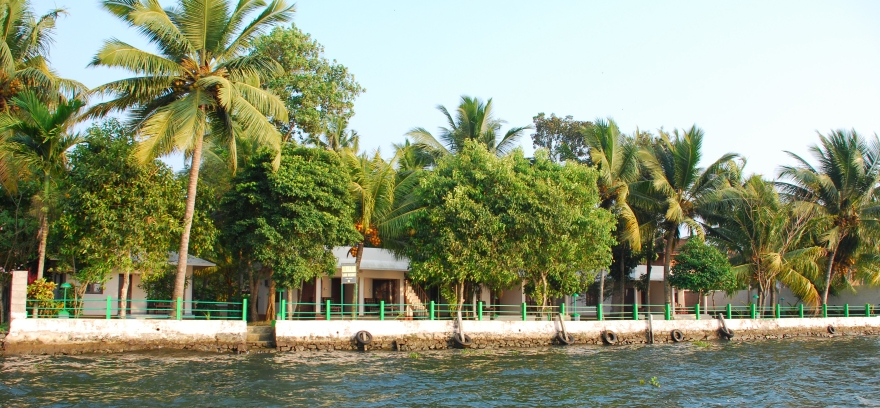 Lakeside Cottages