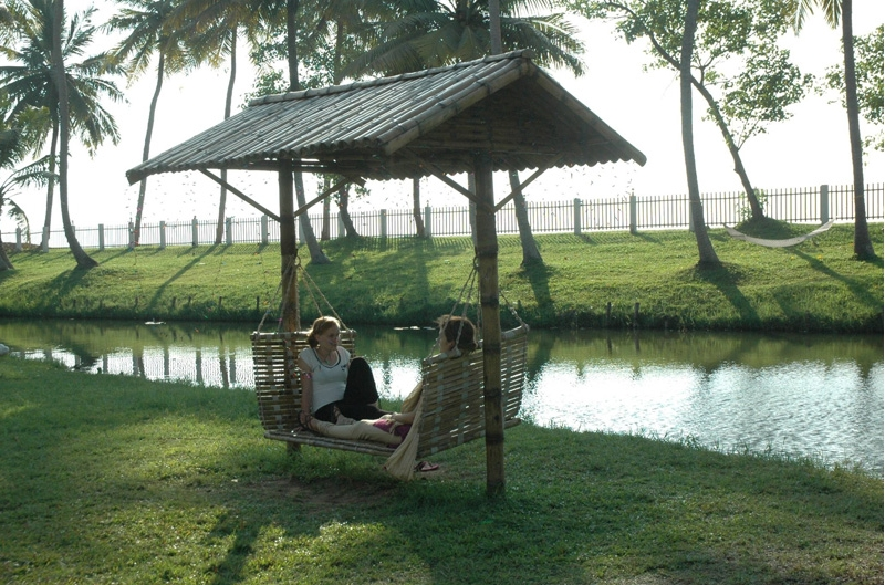Tourists in Kumarakom Lagoon
