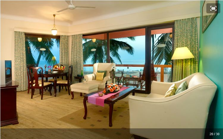 Living room with the sea view