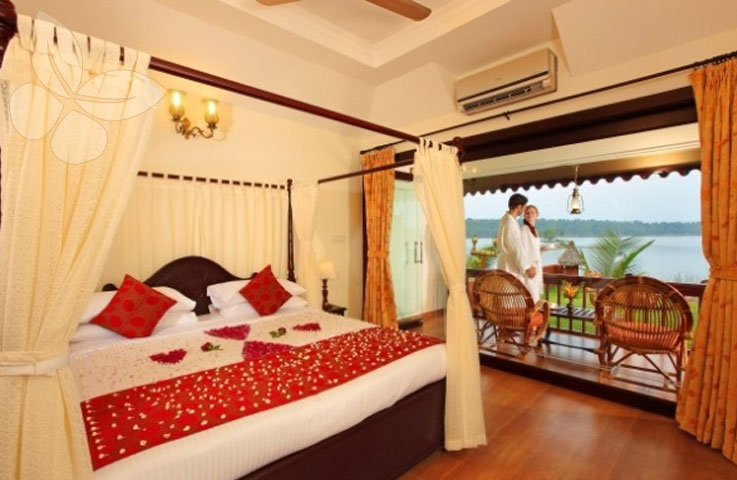 Honeymoon Cottage Room