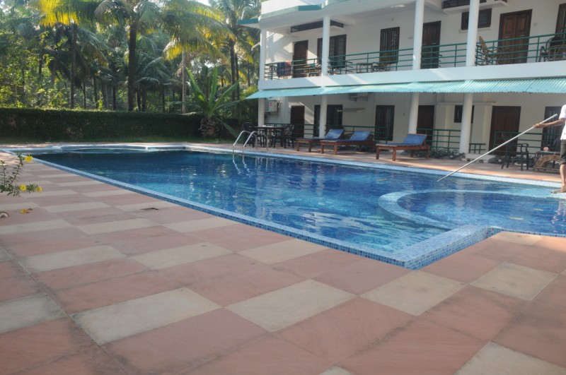 Swimming pool 3