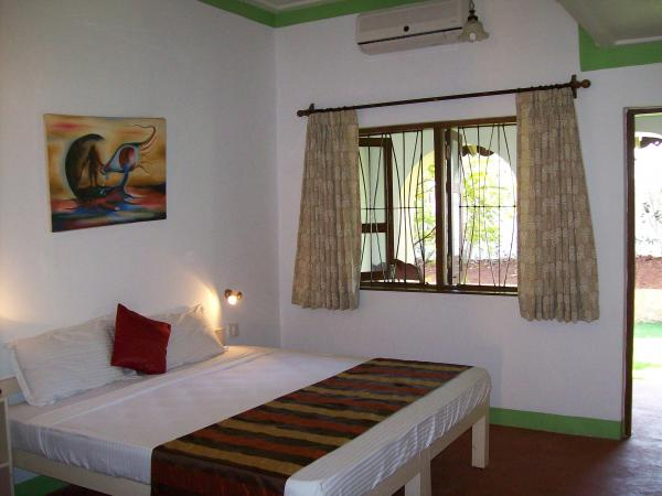 Deluxe Room with Double Balcony & Private Garden_2