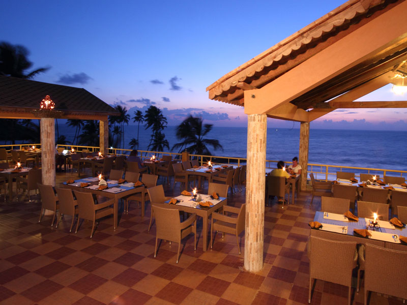 Restaurant - Evening view