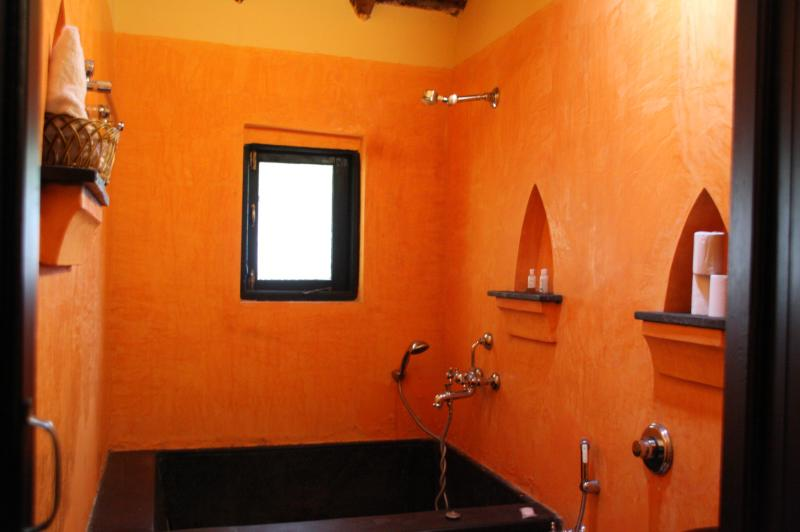 2 Bedroom Cottage Suite:Bathroom