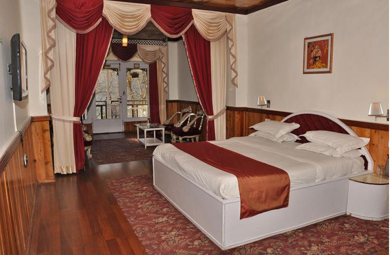 Luxury Kohinoor Room