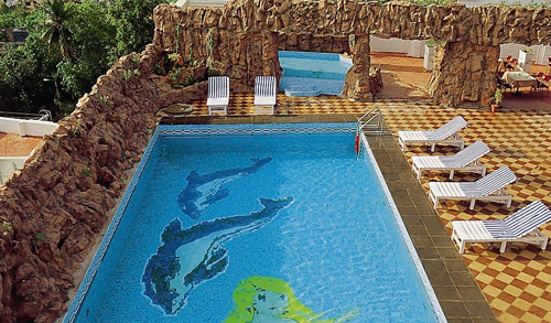 Swimming Pool,