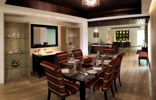 Luxury Suite Dining Area
