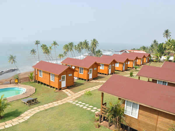 Cottages with sea view
