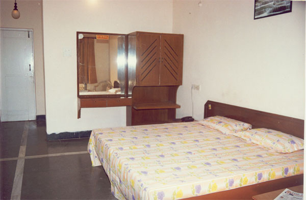 Double Bed Air Conditioned Room